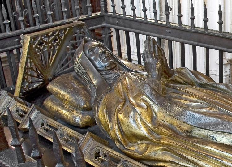 Tomb effigy of Lady Margaret Beaufort by Pietro Torrigiano, West